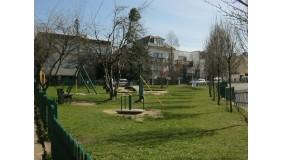 Plac zabaw przy ul. Hallera (przy skrzyżowaniu z ul. Kasztelańską)