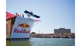 Pięć drużyn z województwa śląskiego w finale 5. Konkursu Lotów Red Bull!