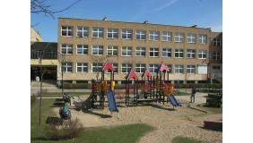 Plac zabaw przy Szkole Podstawowej nr 42