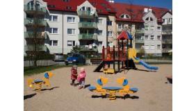 Plac zabaw przy ul. Gorczycowej (na wysokości budynku nr 12)