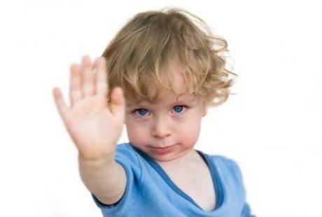 Pozwolić, czy zabronić? - jak mądrze stawiać dziecku granice?