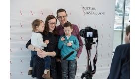 """""""Portret Mamy?"""" – rodzinne warsztaty fotograficzne z okazji Dnia Matki."""