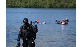 Pierwsza lekcja nurkowania nad jeziorem!