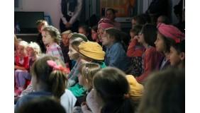 """Teatrzyk dla dzieci: """"Śmieciowisko"""""""