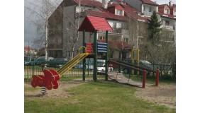 Plac zabaw przy ul. Szafranowej (na wysokości budynku nr 33)
